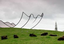 Giant Crumpled Paper Drops From The Sky, Lands On Hill In New Zealand 03