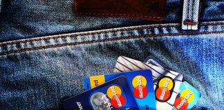 How to Avoid Credit Card Problems Abroad
